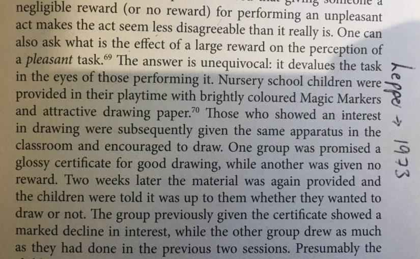 On the damage of rewards (devaluing the task)