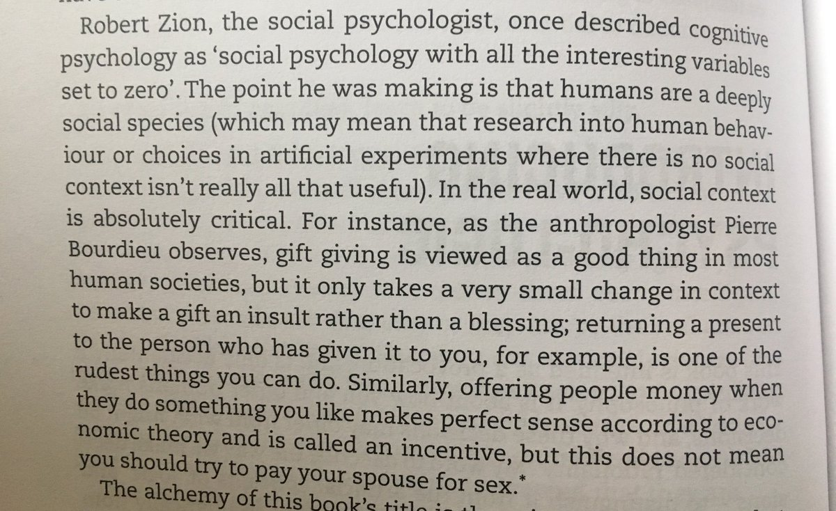 💎 On the importance of social context when interpreting messages (the art of gift giving)